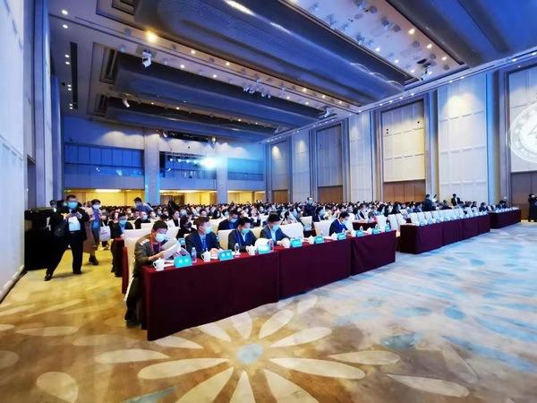 中国建筑装饰协会八届五次理事会、常务理事会隆重召开。