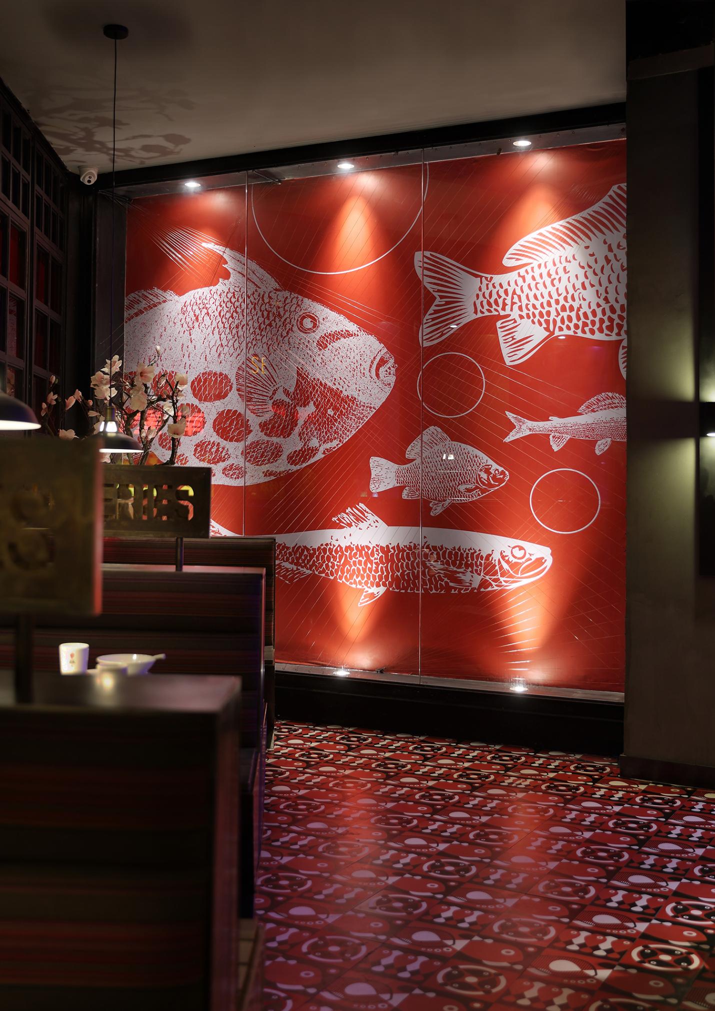 """烤鱼餐厅空间设计:鱼系,经得起""""烤""""验的鱼文化餐厅"""